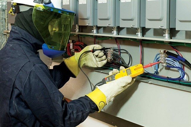 electrical-technician-safely-operating-equipment