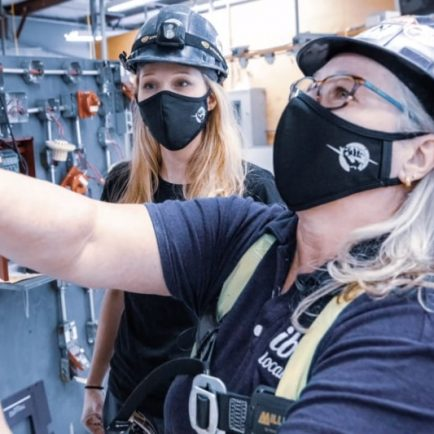 The Electrical Contractors Association of Central Ontario (ECACO) and IBEW Local 804 have teamed up to support awareness of the importance of wearing masks to help reduce the spread of Covid 19.